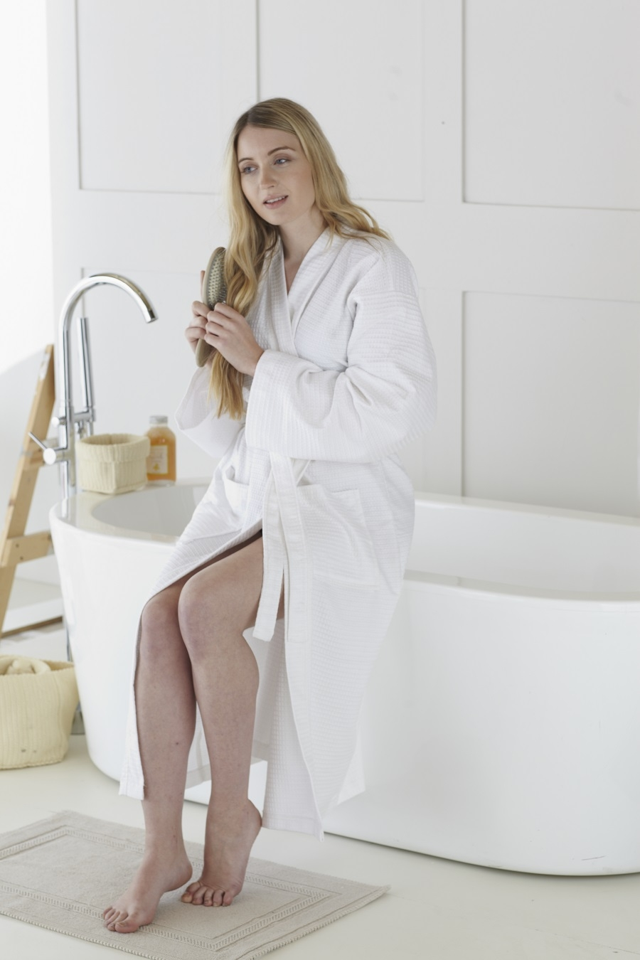 240_waffle_white_bathrobe_900.jpg