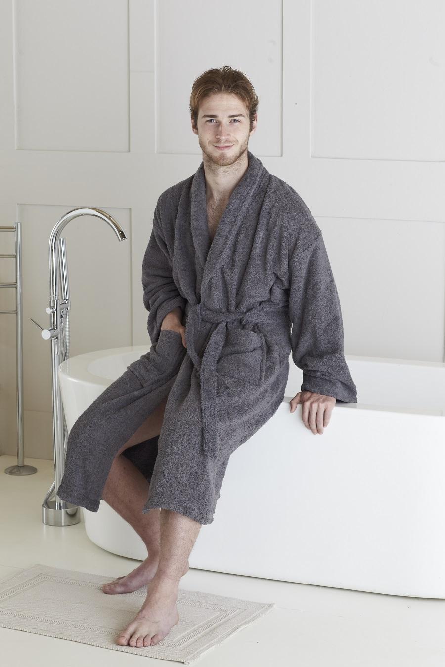 Avaris_bathrobe_Charcoal_1300_1.jpg
