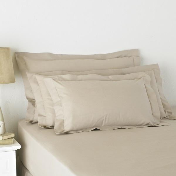 Blosoom_brown_Oxford_pillowcases_Resized.jpg