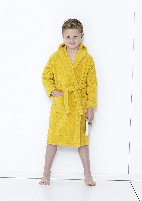 Kids_Mustard_bathrobe-_600.jpg