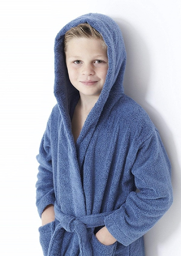 Kids_blue_bathrobe-_600.jpg