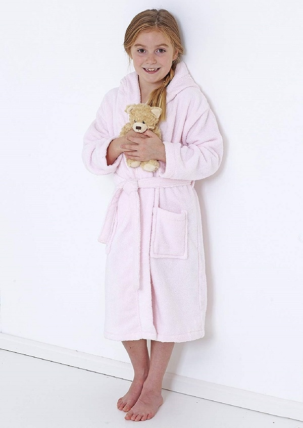 Kids_pink_bathrobe-_600.jpg