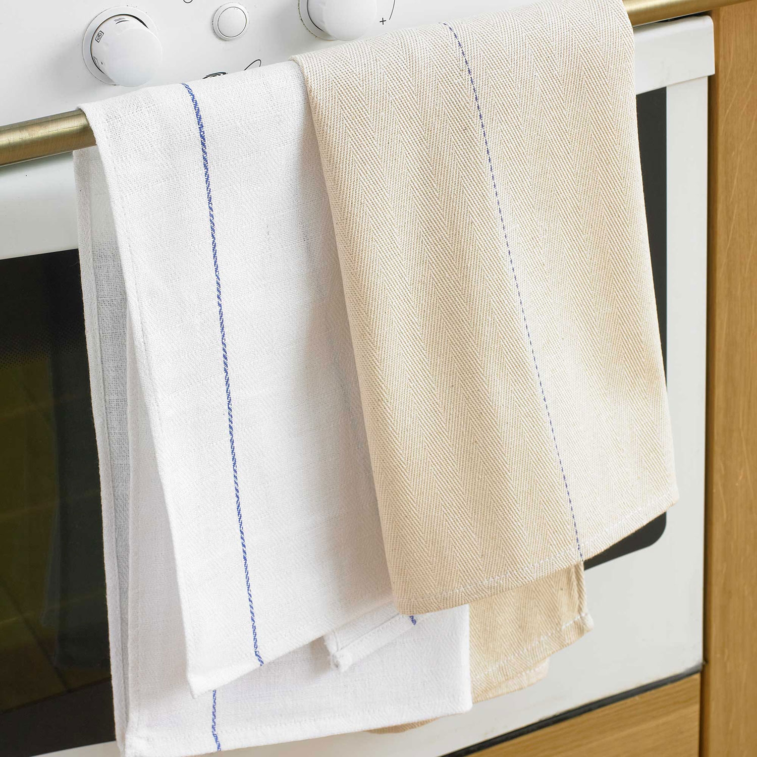Oven-waiters-cloth-hanging_5.jpg