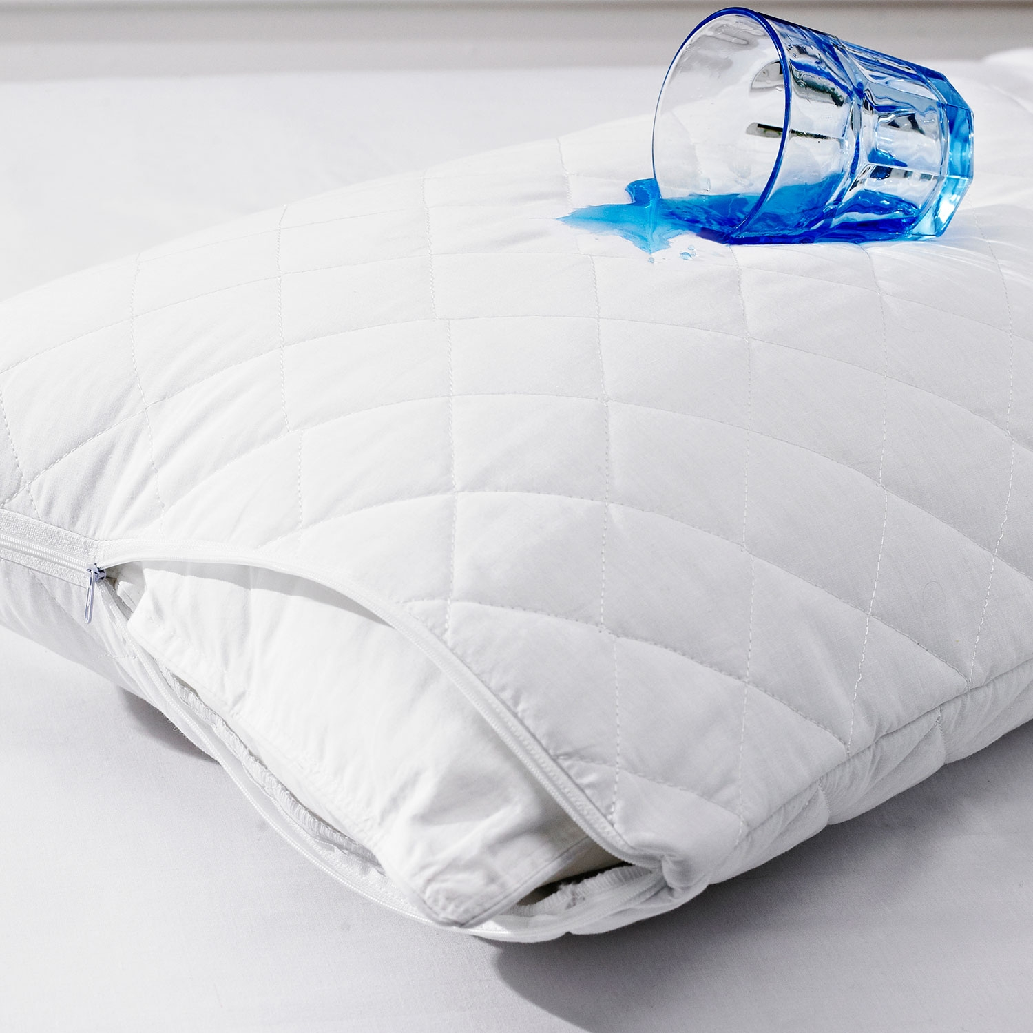 Quilted-pillow-protector-waterproof.jpg