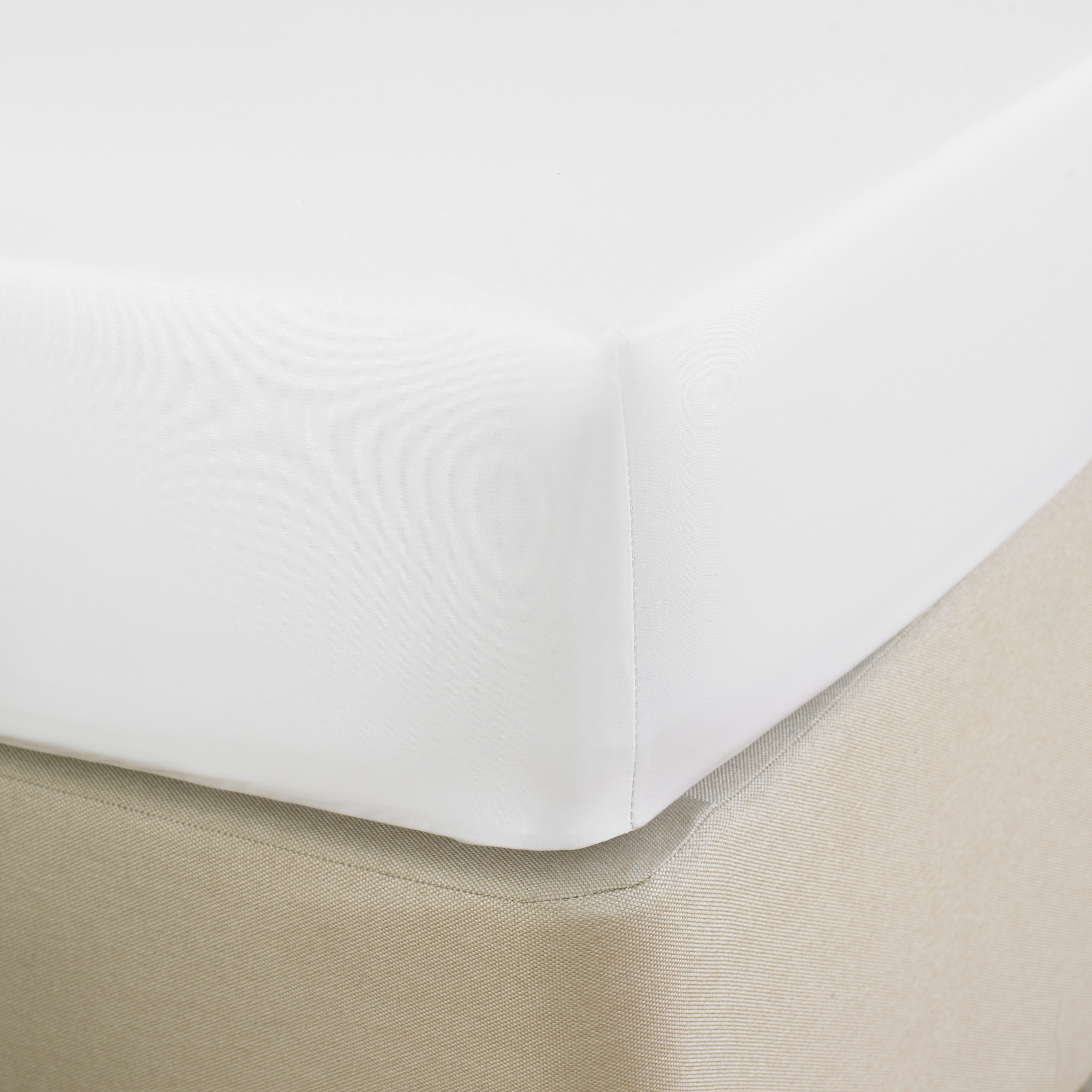 T_400_Egyptian_cotton_Fitted_sheet_White_5111371801013-min.jpg