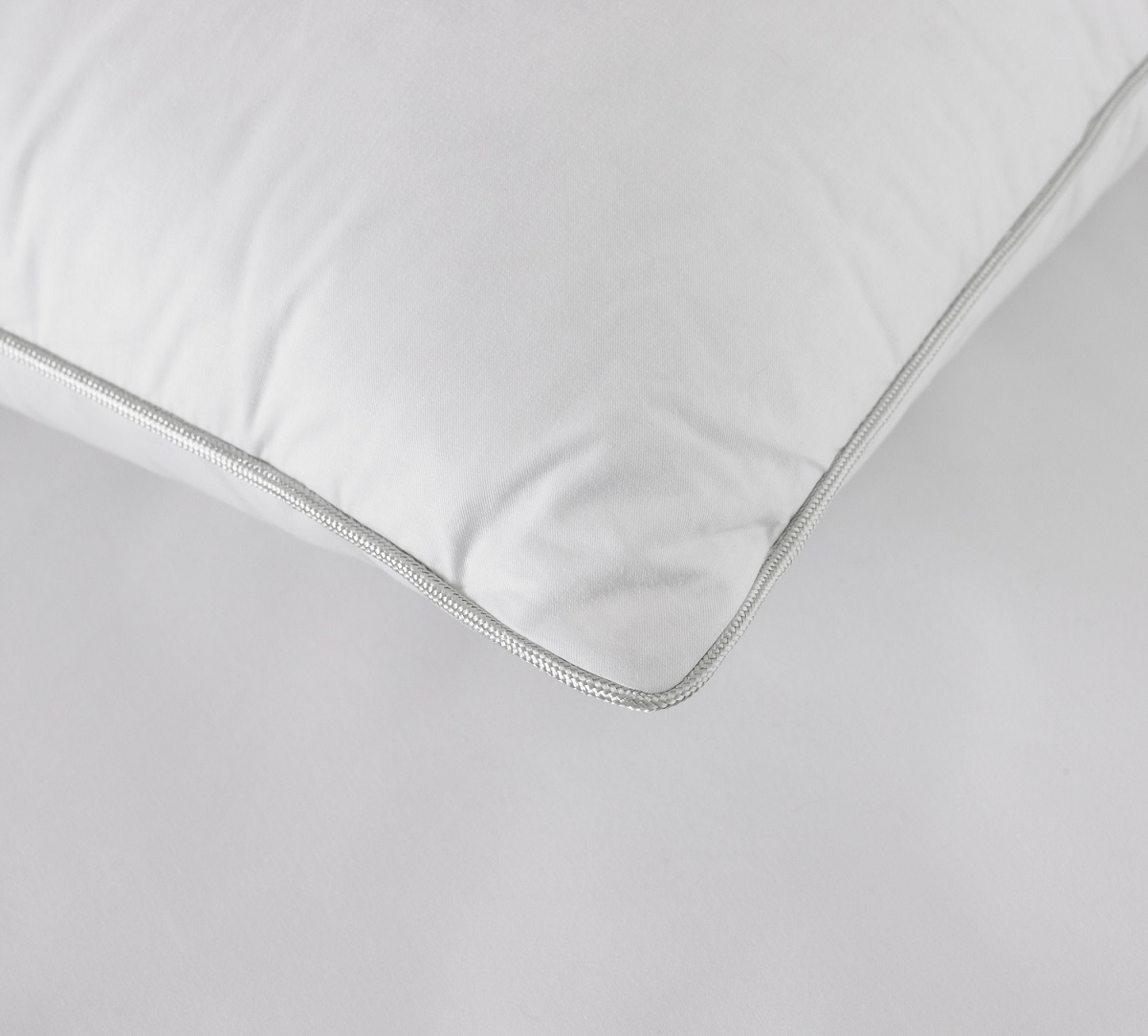 arden_silver_piped_pillow_2-1500_6.jpg