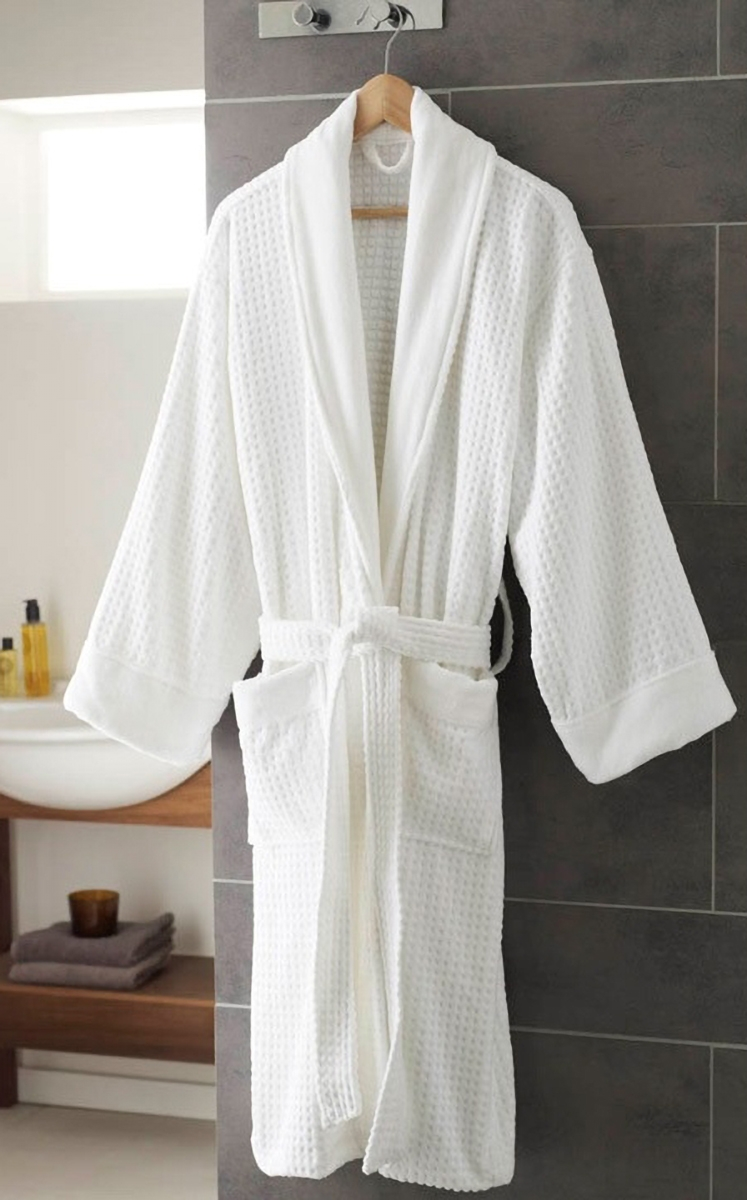 sheraton_white_bathrobebig.jpg